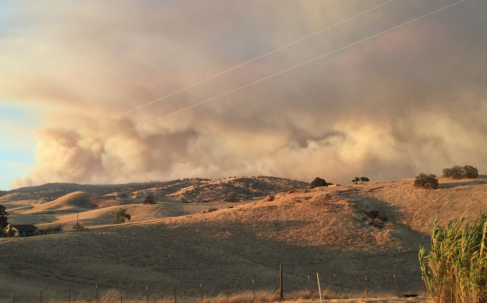 detwiler fire mariposa county monday evening 2 credit barbara milazzo