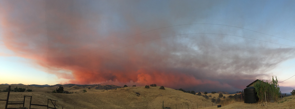 detwiler fire mariposa county monday evening 4 credit barbara milazzo