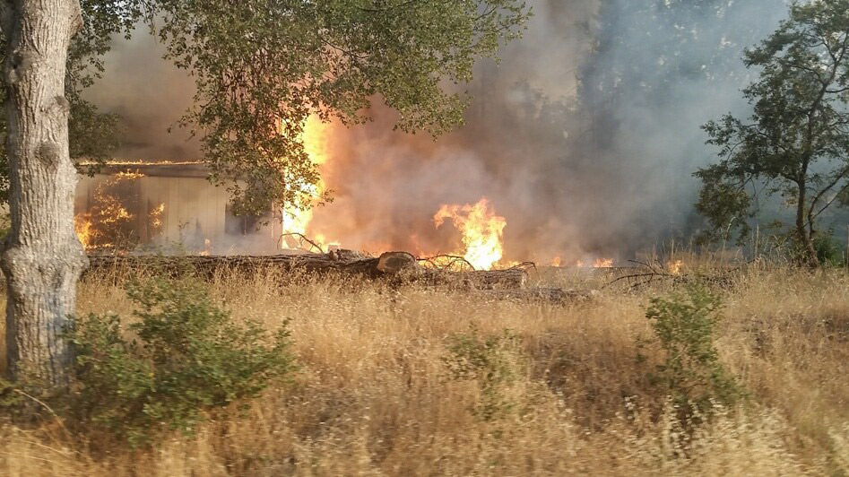 Peak Fire forces evacuations in Mariposa County