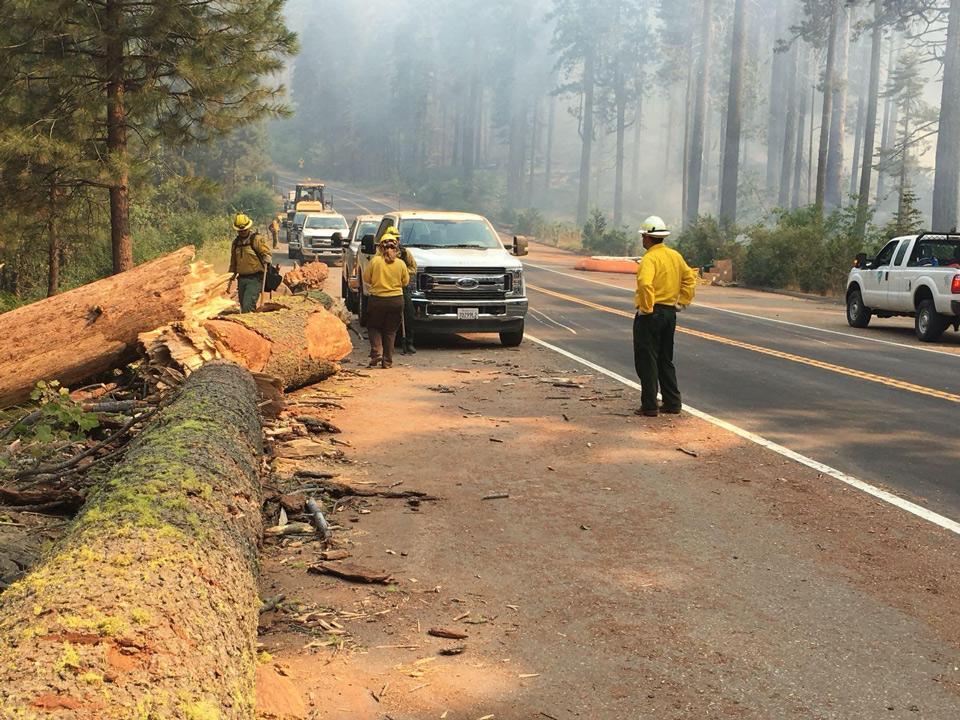 Ferguson Fire Near Yosemite National Park in Mariposa ...